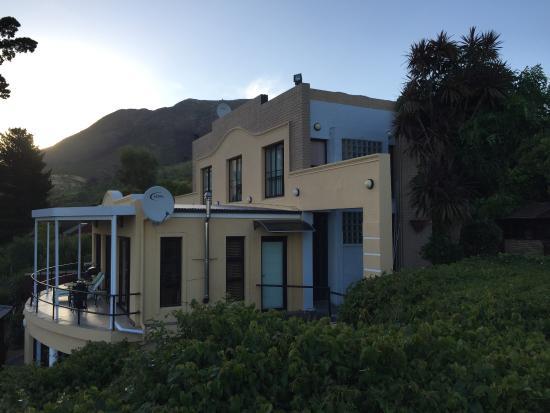 Constantia, Sudáfrica: Rückseite Wohnung im Mainhouse