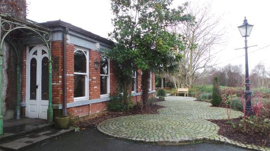 Raheen House: Gardens in Winter