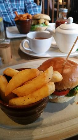 Chester-le-Street, UK: Lovely burgers and sandwiches