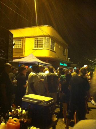 Gros Islet, St. Lucia: Crowded party