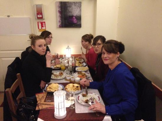 Clermont, França: Repas entre filles...