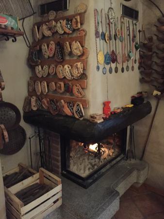 Ledro, Italia: Siamo andati su raccomandazione di amici e abbiamo mangiato veramente bene. Piatti con prodotti