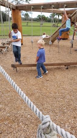 Bradenton, Φλόριντα: ropes course playground
