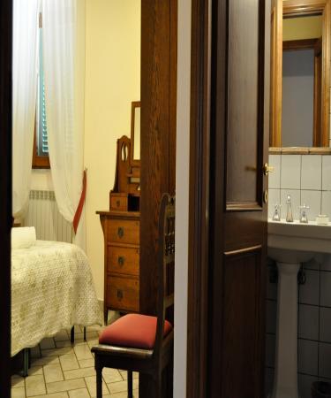 Montaione, Ιταλία: En-suite bathroom