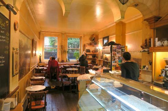 Montparnasse Cafe