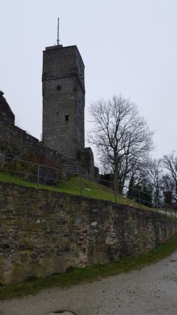 Burgruine: Ganz Oben sind es 455 Meter