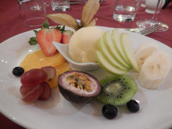 Selby, UK : Fresh fruit platter