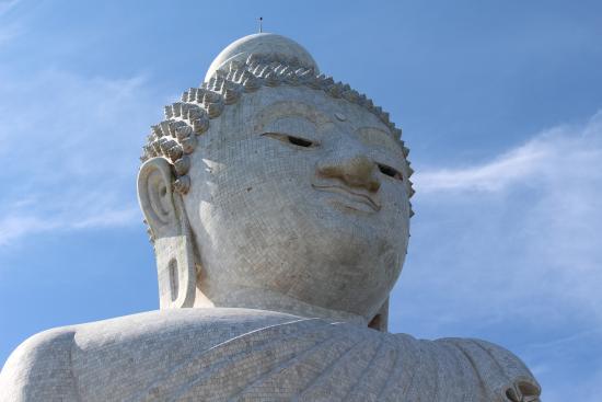 ฉลอง, ไทย: closeup of big buddha