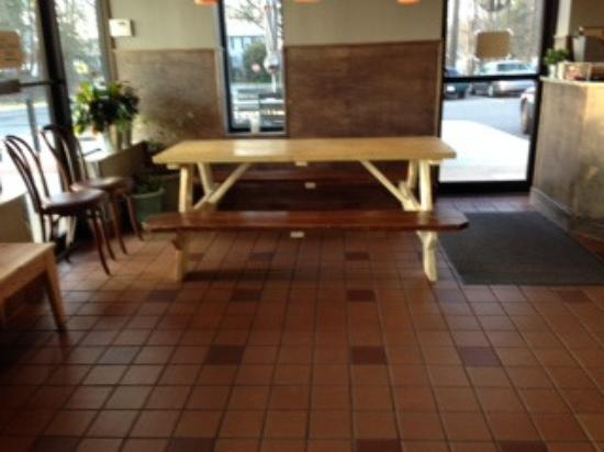 Herndon, VA: Indoor seating - picnic table