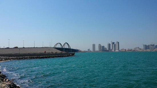 Al-Muharrak, Bahrajn: Muharraq Causeway
