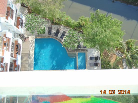 Patong Paradee Resort: Бассейн вид с балкона