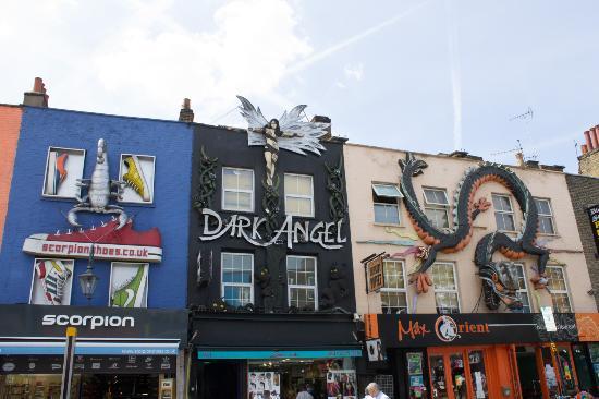 camden market las originales tiendas con relieves en la fachada