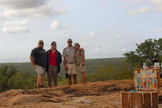 Balule Private Game Reserve, Sydafrika: Enjoying a game drive with guests