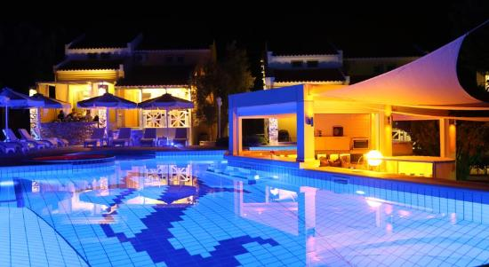 Sea Sun Studios & Apartments