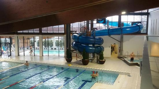 piscina esterna foto di piscina comunale di cavalese