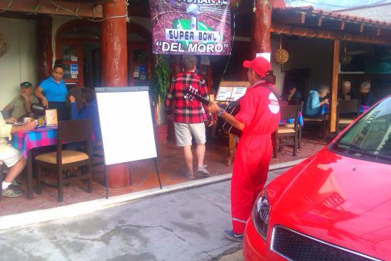 puerto morelos main street 1/2 block square entertainment hotel el moro breakfast