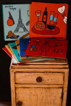 Santiago Metropolitan Region, Chile: Nuestras cartas son pintadas una a una con diseños inspirados en Paris, en oleo.