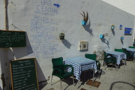 Das TapasAngebot  Bild von Bar Central El Chiringuito de Yolanda, El