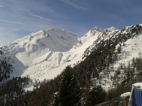 Trafoi, Italia: Veduta delle montagne circostanti ( Ortles e Stelvio)