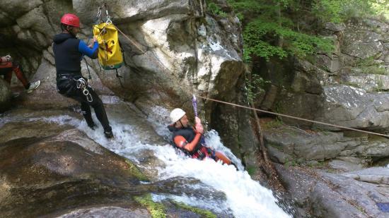 Sainte-Enimie, فرنسا: tyrolienne dans le canyon du tapoul