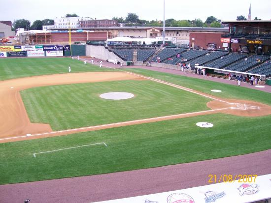 York, Pennsylvanie : The field and some of the seating.