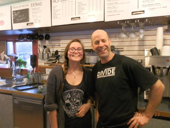 Πρινς Ρούπερτ, Καναδάς: Judd with one of his staff.