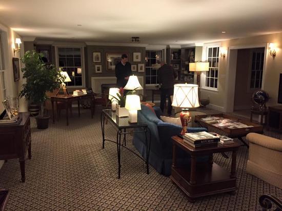the lovely living room picture of the millbrook inn millbrook rh tripadvisor com