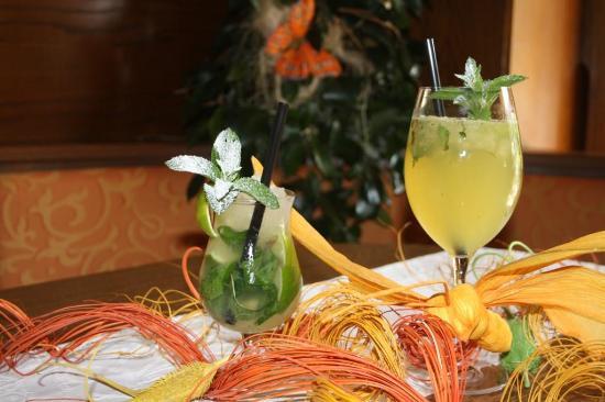 Gosau, Austria: Cocktail's im Restaurant Sommerhof