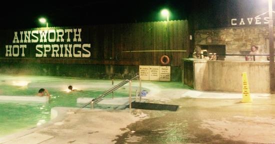 Ainsworth Hot Springs, แคนาดา: Kallt i luften varmt i poolen
