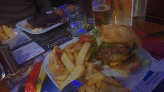 Vaujany, Fransa: burgers en ribs, 'k was alvast begonnen!