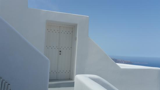 White: Entrance to Honeymoon Suite.