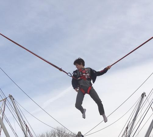 West Chester, Pensilvania: Soar in the air on the bungee trampoline!