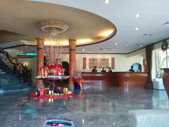 โรงแรม เมอร์เคียว เวียงจันทน์: Lobby