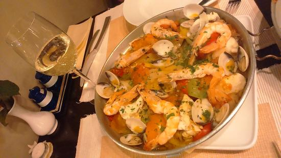 Henley-on-Thames, UK: Cataplana de Peixe e Marisco, which is a fishermen's fish stew (mussels, clams, monkfish, cod, m