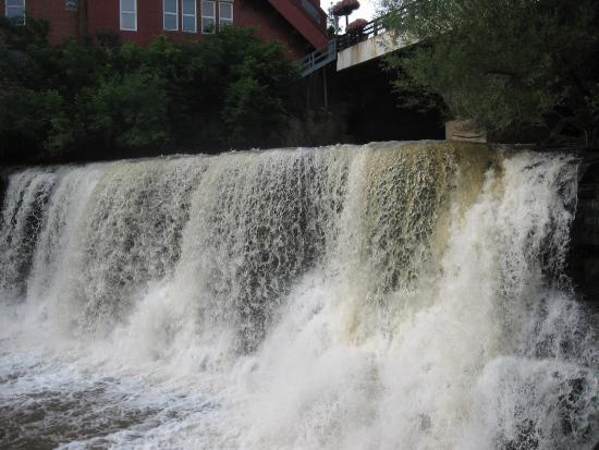 Chagrin Falls, OH: Chagrin Waterfalls