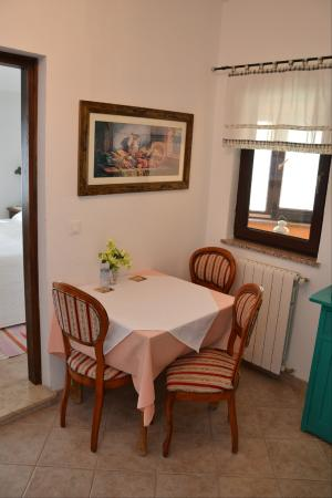 Funtana, Croácia: Kuchyňský kout