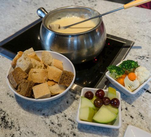 Maple Shade, NJ: Classic alpine cheese fondue