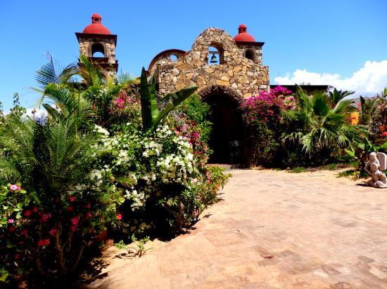 Hacienda Cerritos Boutique Hotel : Courtyard and the Hacienda