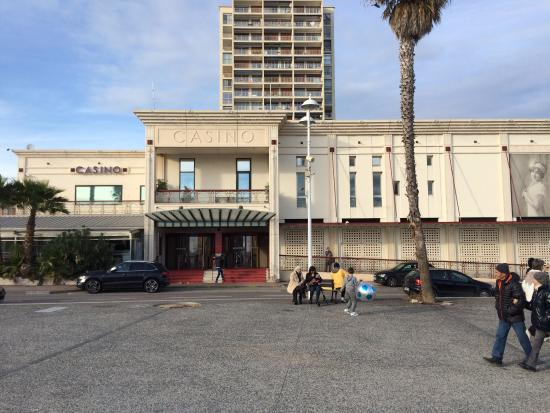 Carry-le-Rouet, Francia: Vue du Casino à proximité