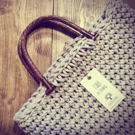 Mikolajki, Polonya: Rękodzieło: torby ze sznurka