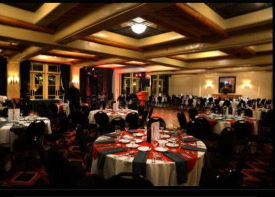 Inn and Spa at Loretto: Great Christmas Party here. Thanks Gabriel-manager for the room showings. We loved the suite we