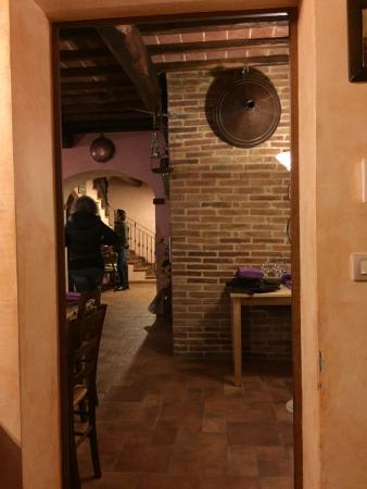 Lucignano, Itália: particolare del ristorante