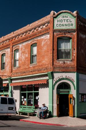 Jerome, AZ: Connor Hotel on a Nice Spring Day