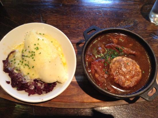 Sutton Cheney, UK: Braised Beef with Suet Cobbler