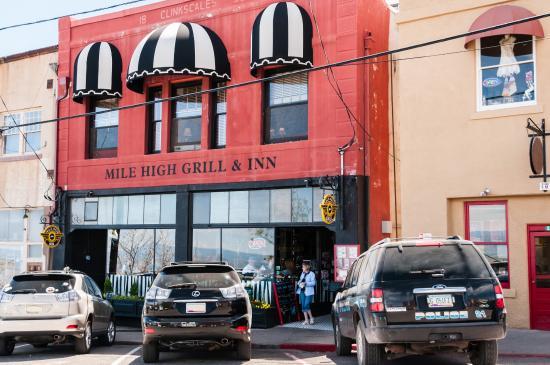 Mile High Inn: Inn with a Great Restaurant
