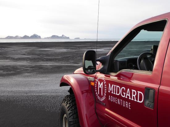 Hvolsvollur, Islandia: View on Vestmannaeyjar from Midgard's Superjeep