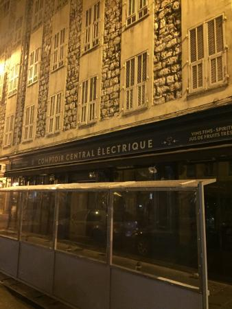 Good value rose picture of le comptoir central - Le comptoir electrique ...
