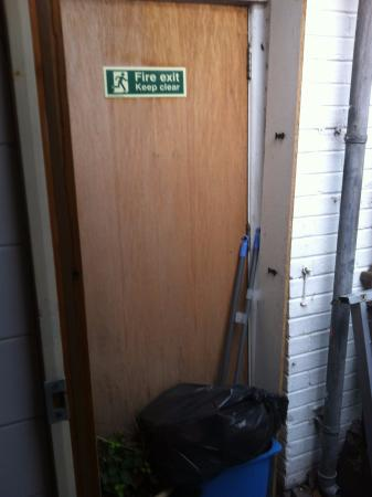 Chester Backpackers : Blocked Fire Escape