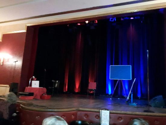 Munchner Lustspielhaus