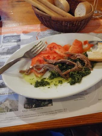 Vernante, Itália: Vorspeise Brasserie des Hotels